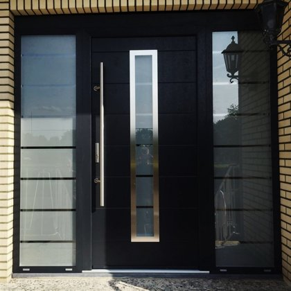 M12 C durvis, pap.fiks.rokturis, 2x daļēji matētu stiklu sānu paneļi